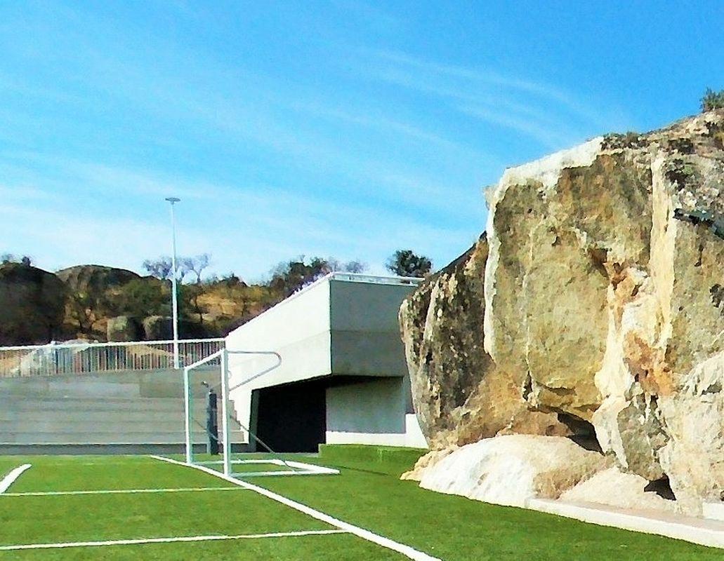 Vestuarios gradas campo futbol 06