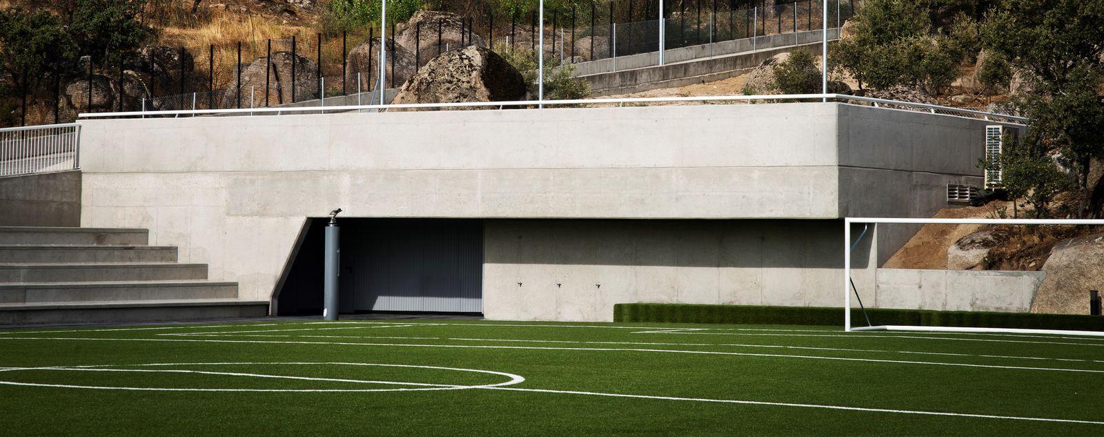 Vestuarios gradas campo futbol 09